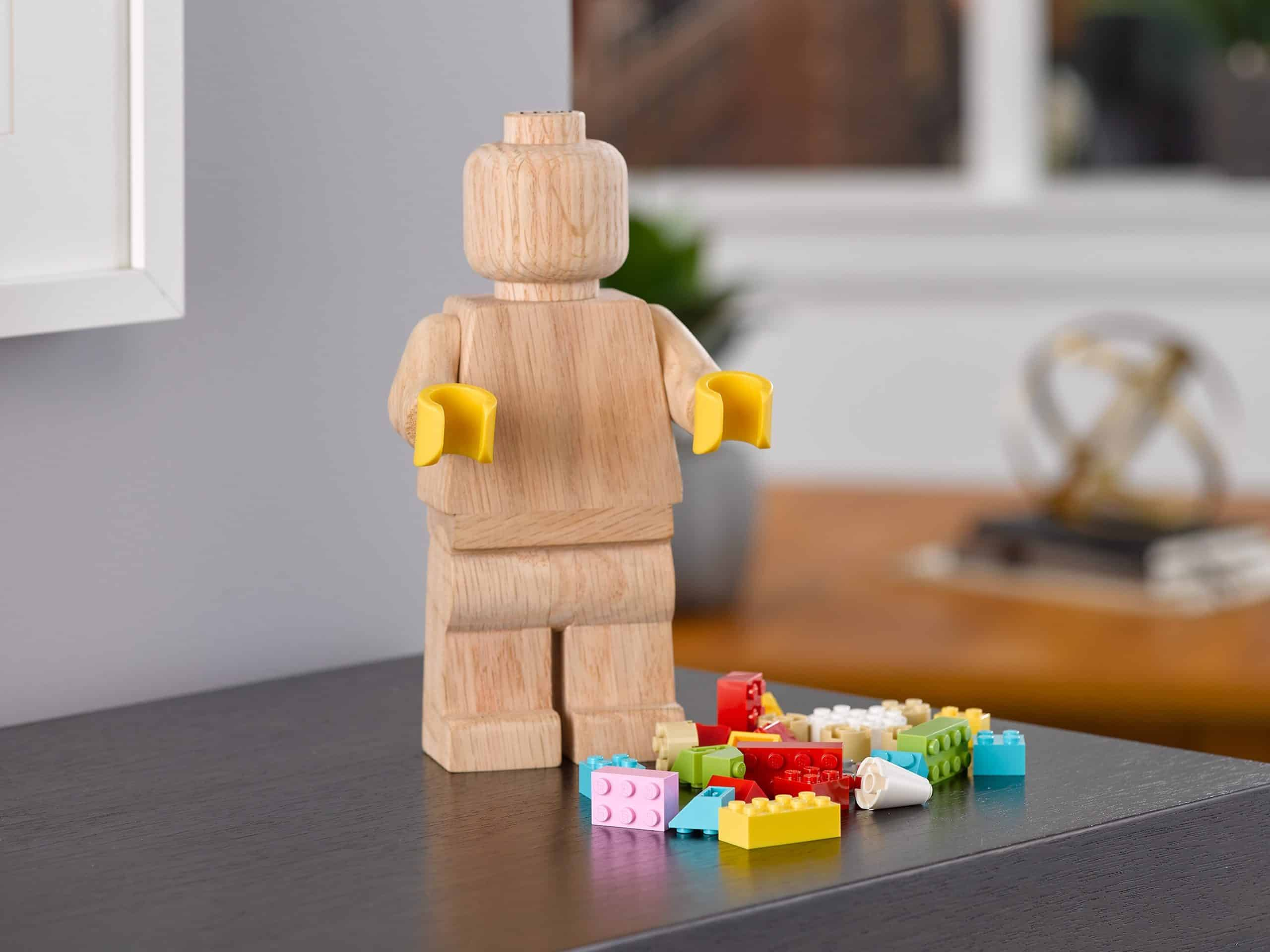 lego 853967 wooden minifigure scaled